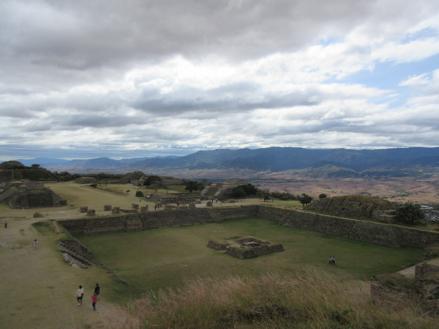 Oaxacas-ancient-Monte-Albán-pyramid-complex